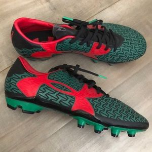 Brand new Under Armour Force soccer cleats men's 9